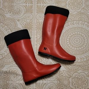 Butterfly Twists red rain boots size 8